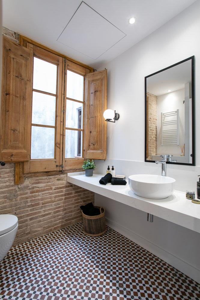 Un baño con esencia en el Gótico